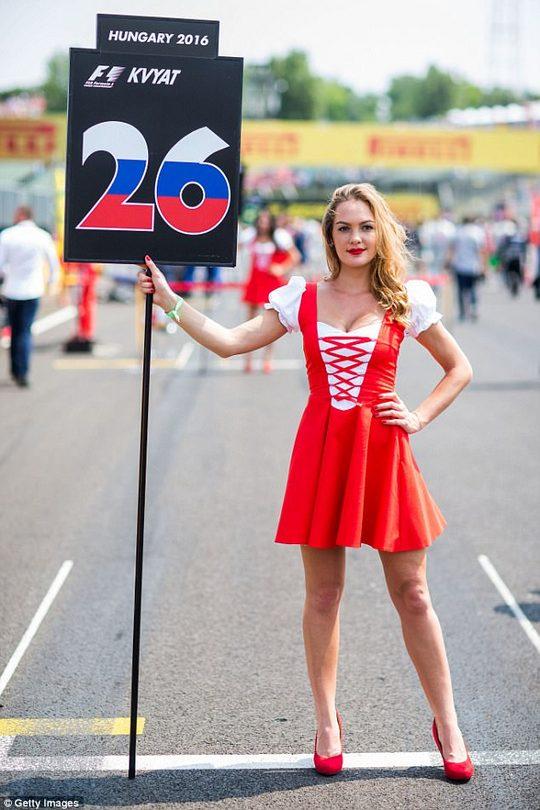 Супермодель Наоми Кэмпбелл о запрете grid-девушек на Формуле-1 и своей стеснительности