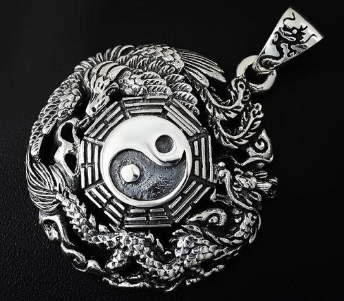 Серебряные подвески: история и интересные факты