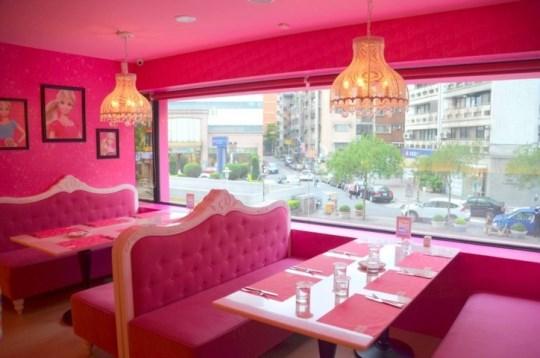 Оригинальные рестораны мира: Барби-кафе на Тайване