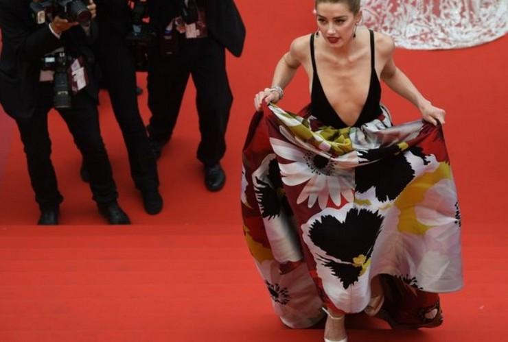 Актрису Эмбер Херд высмеяли за неудачный наряд