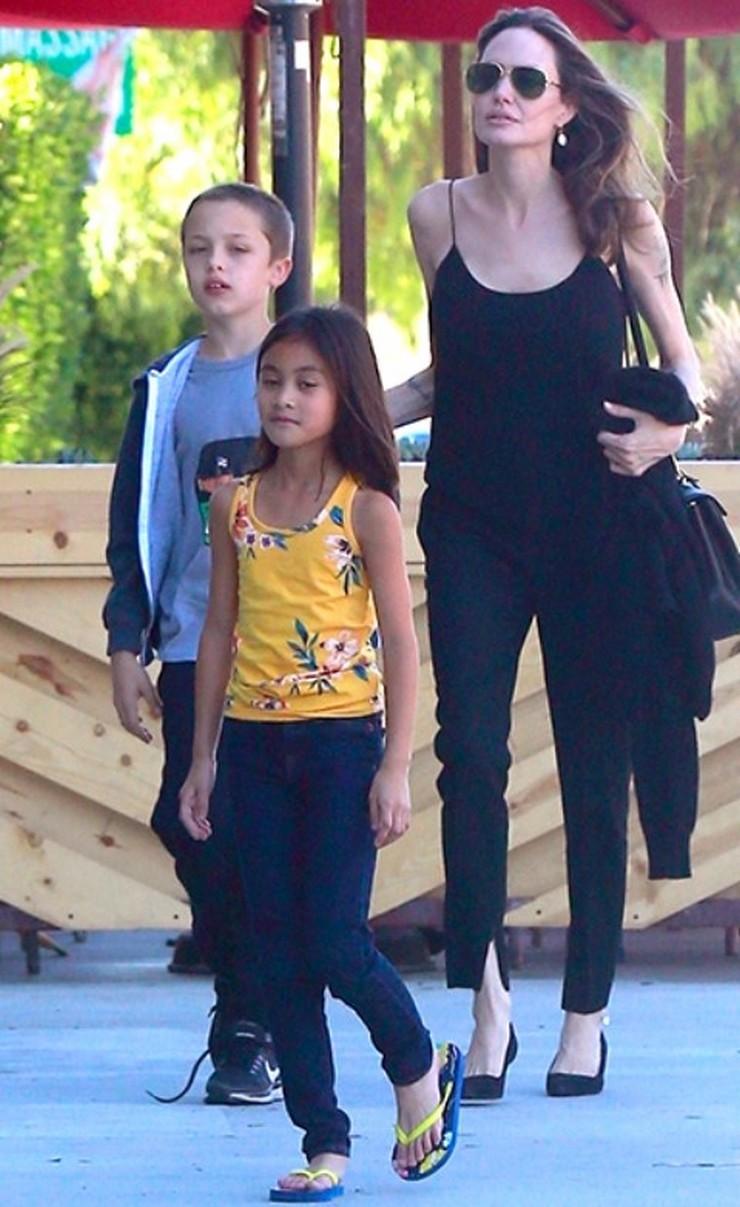 Анджелина Джоли выглядит еще более изможденной