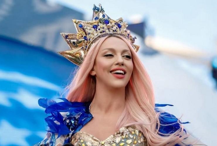 Певица Ольга Полякова продемонстрировала яркие образы