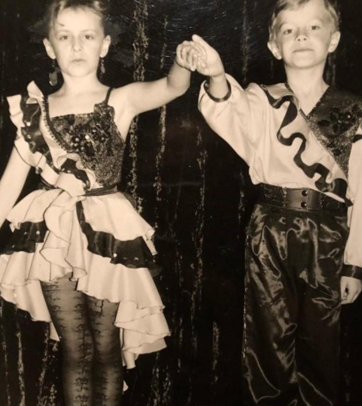 """Судья шоу """"Танцы со звездами"""" показал себя в детстве"""