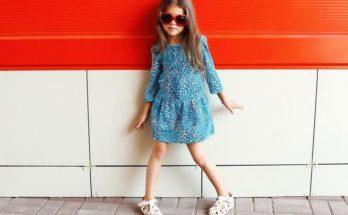 На что обратить внимание при покупке сарафана для девочки