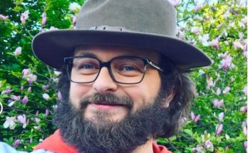 Фронтмен группы DZIDZIO рассказал о своей искусственной бороде