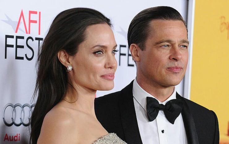 Анджелина Джоли и Брэд Питт получили документы о разводе