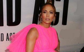 49-летняя Дженнифер Лопес продемонстрировала  идеальные формы