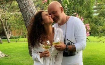 Настя Каменских умилила поклонников снимком с мужем