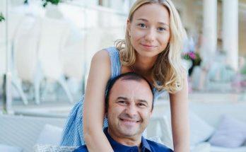 25-летняя возлюбленная Виктора Павлика заинтриговала новым кольцом