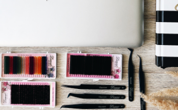 В помощь лешмейкерам: подбираем материалы и инструменты для наращивания ресниц