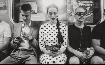 Скандальная певица Даша Астафьева проехалась в метро