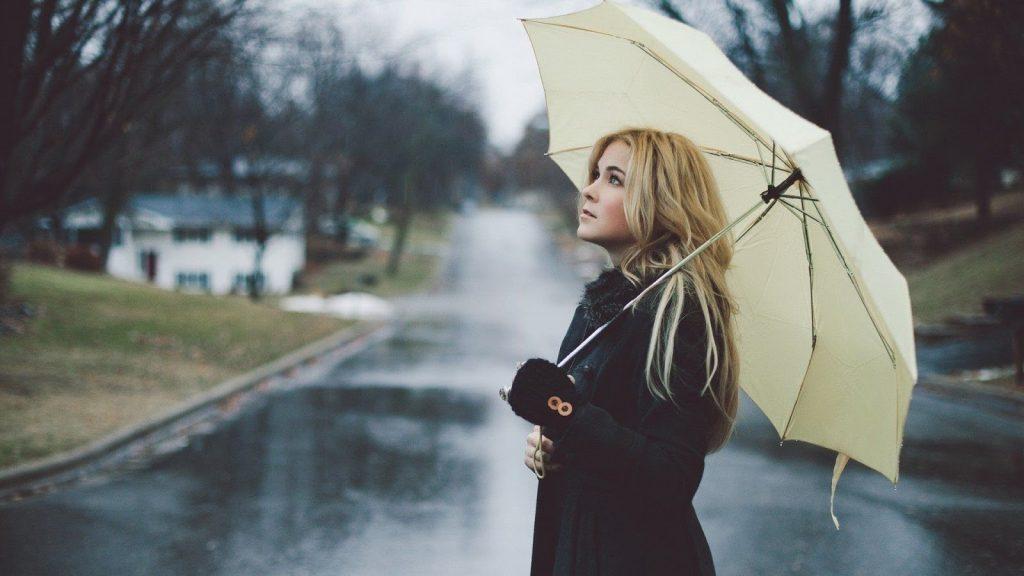 Быть красивой под дождем...