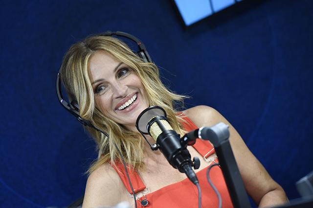 Красотка Джулия Робертс в шикарном образе появилась на радио-шоу