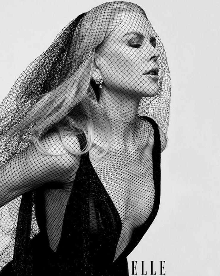 52-летняя Николь Кидман снялась в прозрачном платье для известного глянца