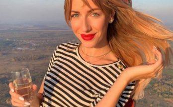 Леся Никитюк и Оля Полякова удивили поклонников страстным поцелуем