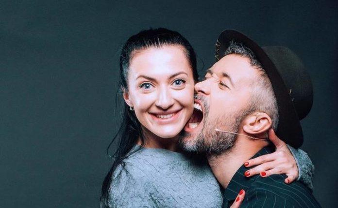 Сергей Бабкин поделился самой первой совместной фотографией с женой