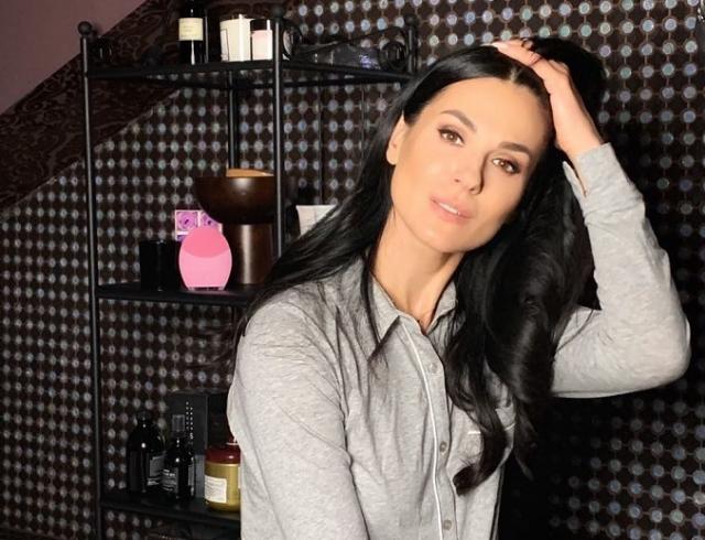 Маша Ефросинина опубликовала трогательные снимки с мужем