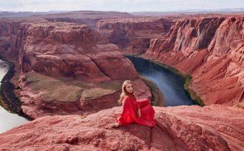 Тина Кароль в эффектной фотосессии засветила стройные ноги