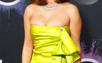 Селена Гомес пришла на мероприятие в платье не по размеру