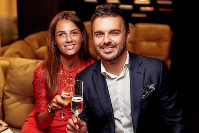 Телеведущий Григорий Решетник с женой примерили украинские наряды