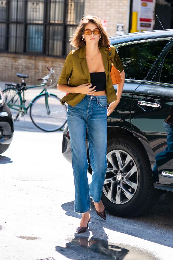 Дочь Синди Кроуфорд показала, как носить джинсы с завышенной талией