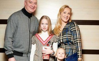 Евгений Кошевой с супругой поделились фотографиями старшей дочери