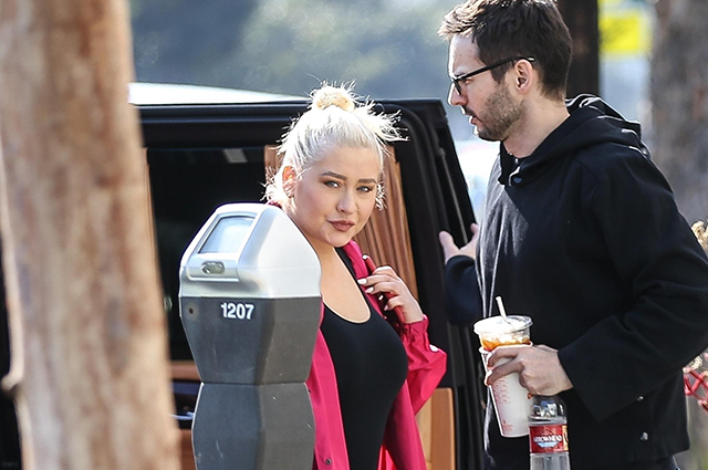 Кристина Агилера вместе с избранником на улицах Санта-Моники