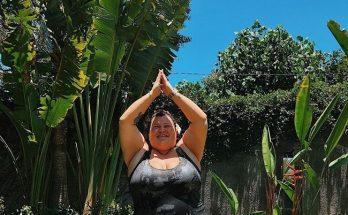 Alyona Alyona показала веселые фотографии у бассейна с отдыха на Бали