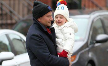 Брэдли Купер с дочерью Леей пообедали в одном из ресторанов Нью-Йорка
