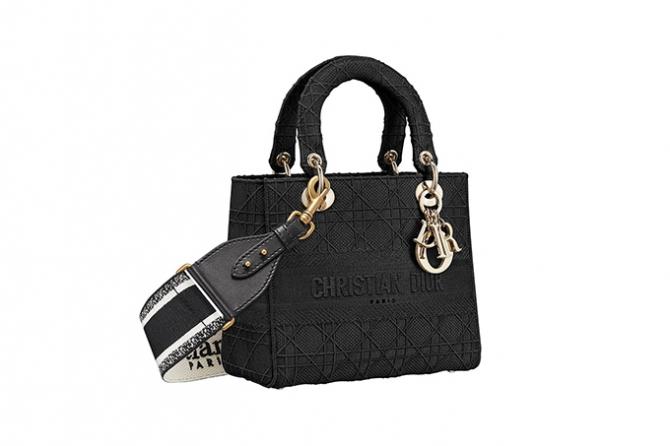 Dior обновили любимую сумку принцессы Дианы