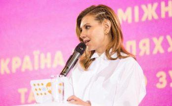 Елена Зеленская в нестандартном образе выступила против домашнего насилия