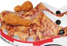 CROCS презентовали коллекцию обуви с принтом и запахом фирменного блюда KFС