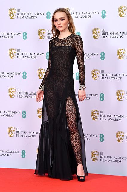 Лили-Роуз Депп в полупрозрачном платье на BAFTA-2020