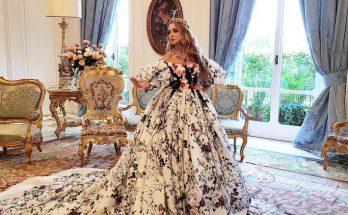 Оксана Марченко в платье с цветочным принтом от Dolce & Gabbana восхитила поклонников