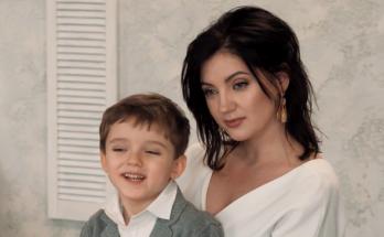 Оля Цибульская поделилась милыми совместными снимками со своим сыном
