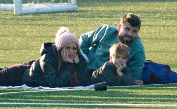 Шакира с избранником и детьми посетила футбольный матч в Барселоне