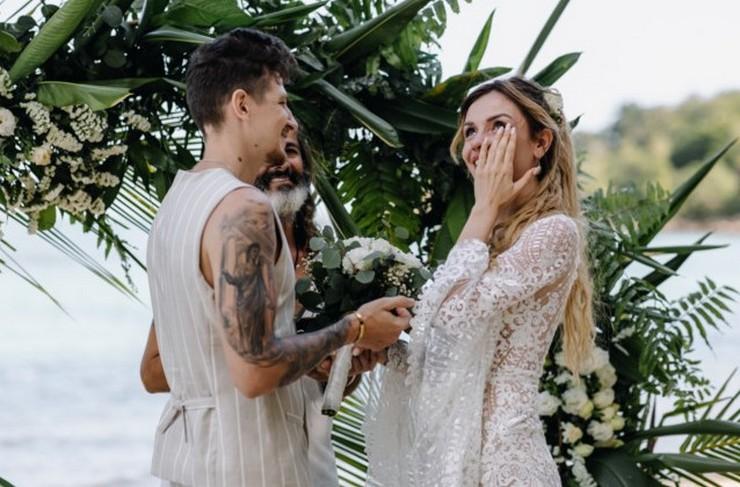 Известная украинская певица тайно вышла замуж