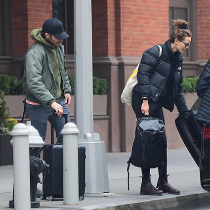 Джейк Джилленхол и Жанна Кадье попали в объективы репортеров в Нью-Йорке
