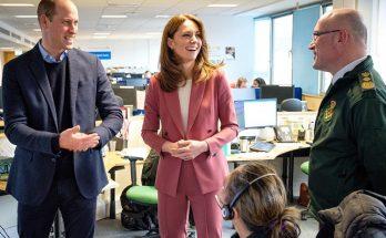 Королевский стиль: Кейт Миддлтон в костюме цвета пыльной розы