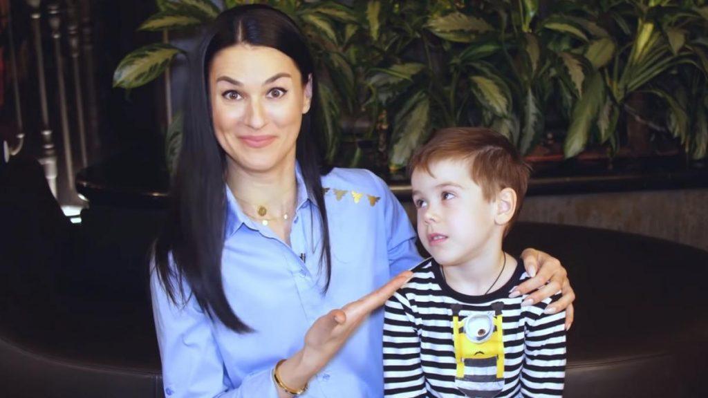 Маша Ефросинина показала смешное видео с сыном