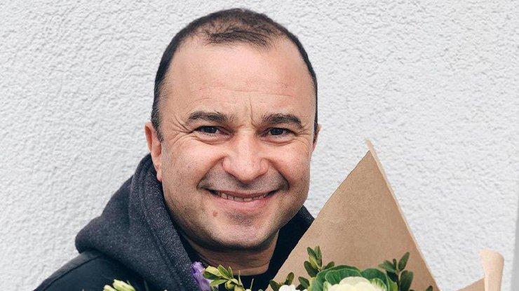 Виктор Павлик продает защитные маски