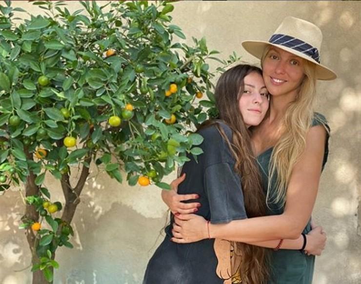 Оля Полякова созналась, что ее старшая дочка убегала из дома
