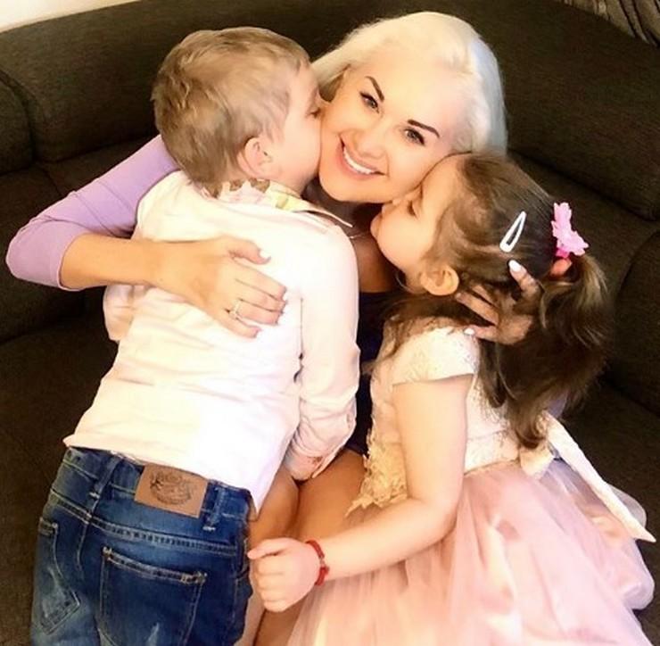 Певица Екатерина Бужинская показала своих детей