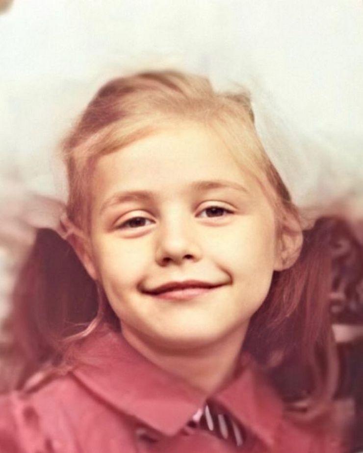 Тина Кароль порадовала поклонников детским фото