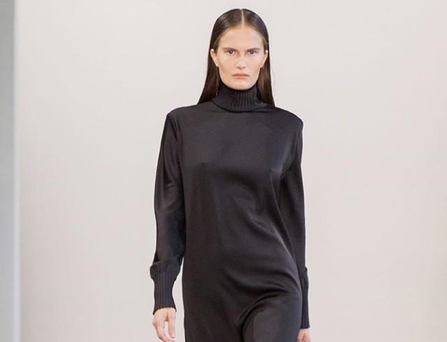 Алла Костромичева примерила маленькое черное платье
