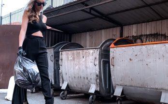 Эффектно: Анна Ризатдинова выбросила мусор в элегантном наряде