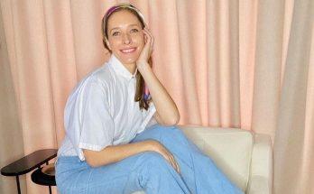 Катя Осадчая поделилась фото без макияжа и в уютном домашнем аутфите