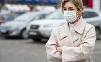 Нужно ли носить маску на улице и защищает ли она от вирусов