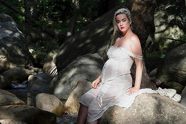 Беременная Кэти Перри поучаствовала в фотосессии