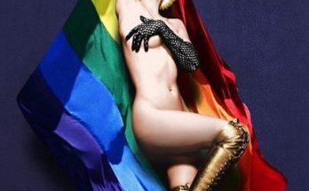 Кристина Агилера с кляпом во рту поразила фанатов голыми фото